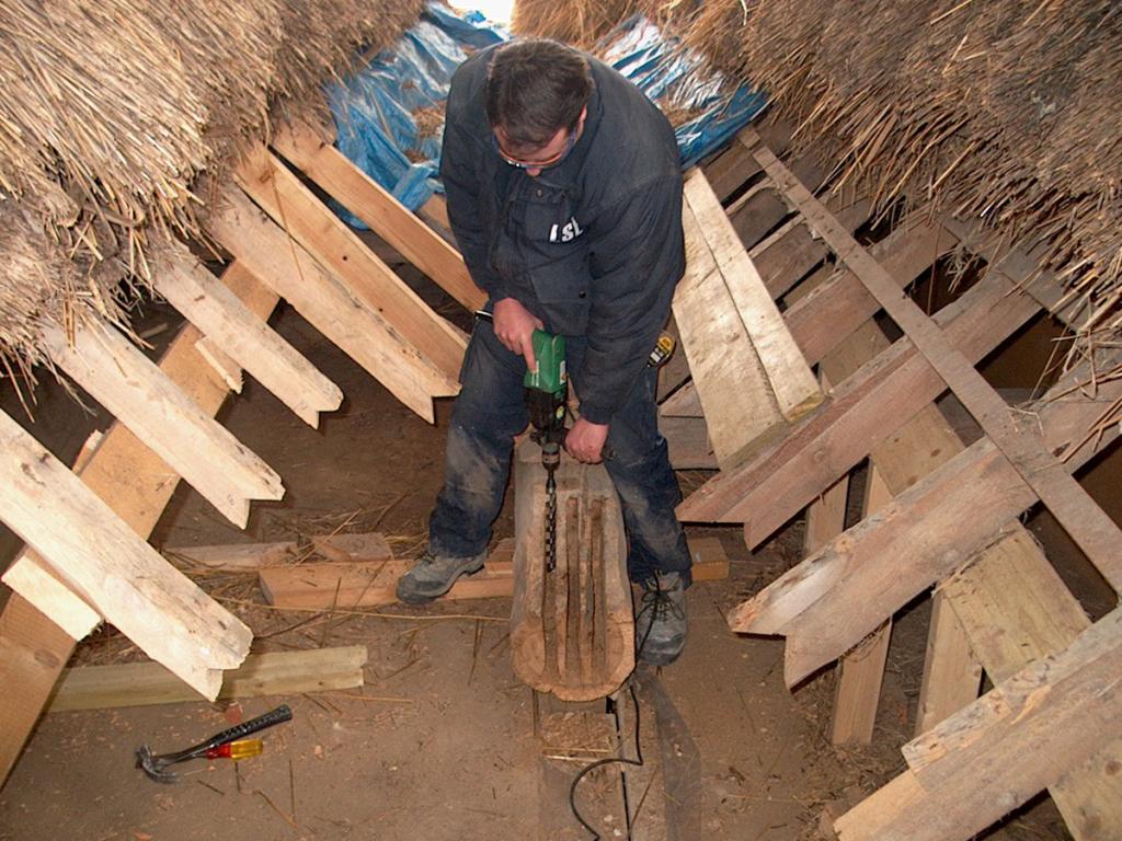 chasing timber resin splice roman villa